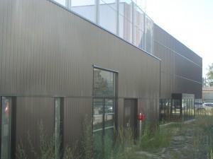 vue de côté du collège Capeyron - Aqio