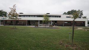 bâtiment relais des solidarités par Aqio façade