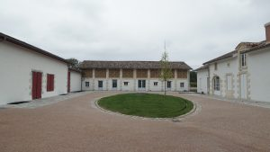 château duplessy vue d'ensemble centrée - Aqio