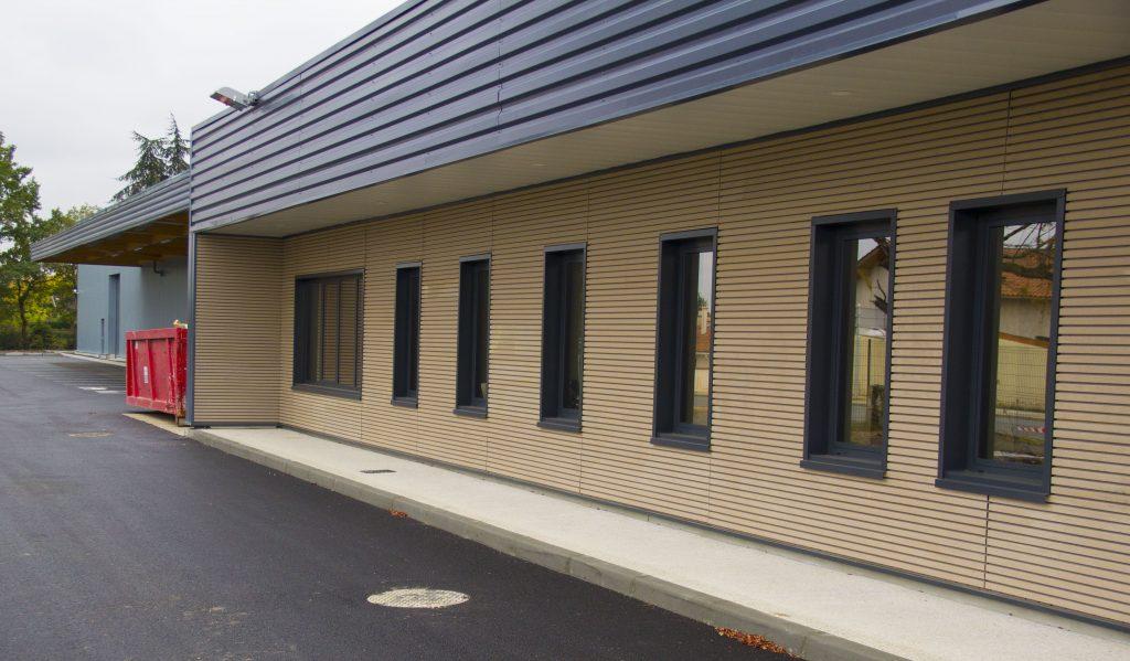 bâtiment archive de la poste bardage bois vue coté