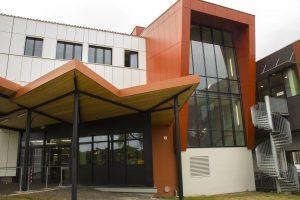 façade lycée jean monnet à blanquefort par Aqio